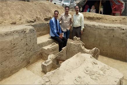 बागपतः खुदाई के दौरान मिले 4000 साल प्राचीन रथ और मुकुट