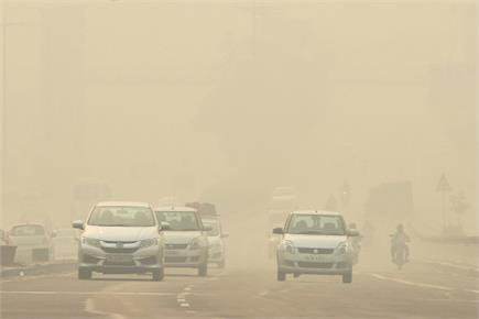 दिवाली पर दिल्लीवासियों ने जमकर फोड़े पटाखे, अगले दिन ऐसी रही राजधानी...