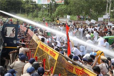 पानीपत में कृषि विधेयक के खिलाफ कांग्रेस का विरोध प्रदर्शन, दागे गए...