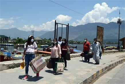 जम्मू-कश्मीर: लॉकडाउन में ढील के बाद अब घाटी को टूरिस्टों का इंतजार