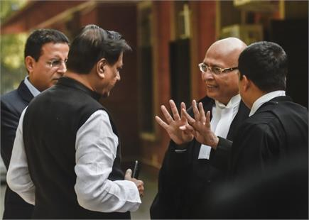 महाराष्ट्र की गर्माई राजनीति के कारण संडे को भी खुला सुप्रीम कोर्ट,...