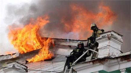 अस्पताल में लगी भयंकर आग के बीच डॉक्टरों ने किया दिल का सफल ऑपरेशन...