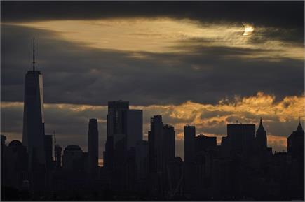 दुनिया के कई देशों में सूर्य ग्रहण पर दिखा कुछ ऐसा नजारा