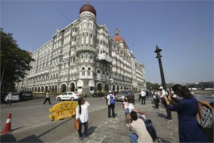 मुंबई आतंकी हमला- 11 साल भी ताजा जख्म, शहीद जवानों को श्रद्धांजलि