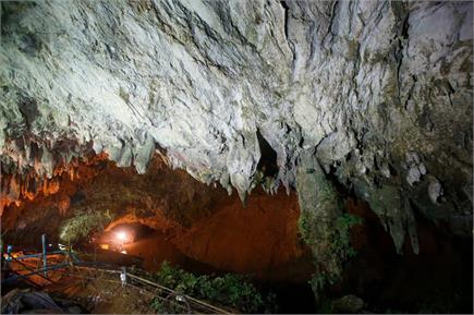 इस गुुफा में फंसे है 12 युवा फुटबॉलर, खोज कार्य जारी
