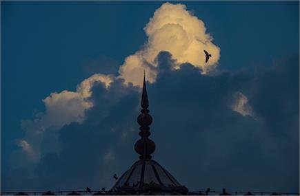 कोरोना के चलते इस साल भी बेनूर रही ईद