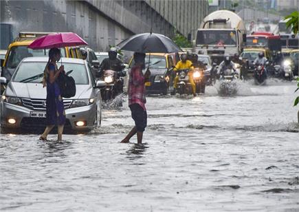 बारिश की फुहारों से आज फिर भीगी मुंबई