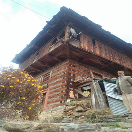 तस्वीरों में देखिए एक ऐसा गांव, जहां अब रहता है सिर्फ एक ही परिवार