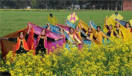 बसंत पंचमी के स्वागत के लिए हिंदुस्तान तैयार