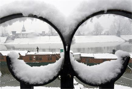हिमाचल प्रदेश, उत्तराखंड और कश्मीर में ठंड का बर्फीला अटैक