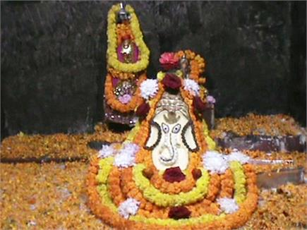 जानिए कहां है ये भव्य मंदिर जहाँ पर गिरती थी गाय के दूध की धार(pics)