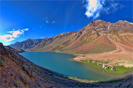 हिमाचल की खूबसूरत झील चंद्रताल की देखें तस्वीरें