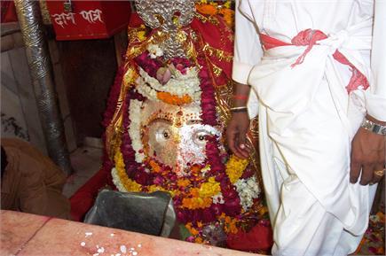 दिन में तीन बार स्वरूप बदलती हैं मां, नवरात्रि के ख़ास मौके पर करें...