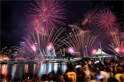 दुनिया में नए साल के आगाज़ की देखें खूबसूरत तस्वीरें