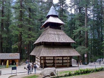 महाभारत काल से जुड़ा हुआ है मां हिडिम्बा मंदिर (Watch Pics)