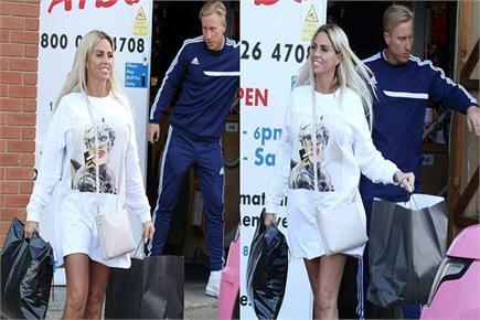 टी-शर्ट ड्रेस में बेहद हॉट दिखीं 40 की केटी, 30 साल के बॉयफ्रेंड संग...