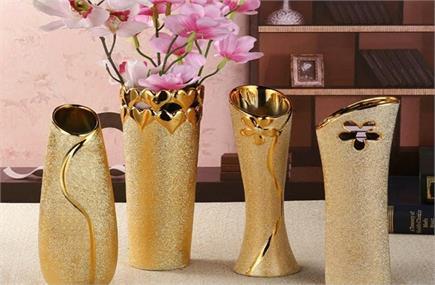स्टाइलिश Flower Vase से सजाएं अपना घर, देखिए 10 नए डिजाइन