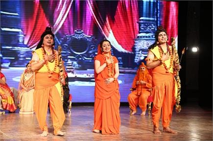 दशहरा पर्व का भव्य मंचन, तस्वीरें में देखें रामलीला की जश्न