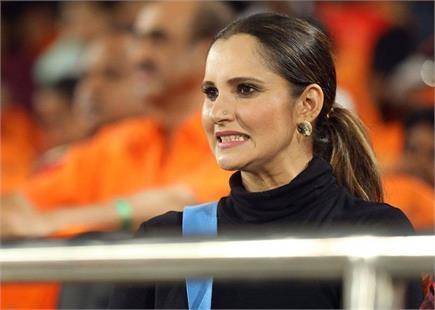 SRH v CSK मैच में पहुंची सानिया मिर्जा, देखें फोटोज