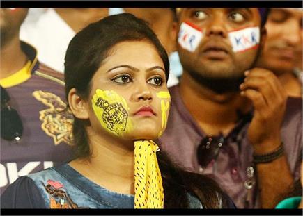 देखें कोलकाता और दिल्ली के बीच खेले गए मैच की झलकियां