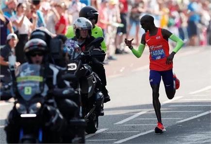 पानी की बोतल खोई, मशहूर रनर मो फराह लंदन मैराथन रेस हारे