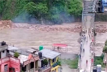 nepal  floods  one death