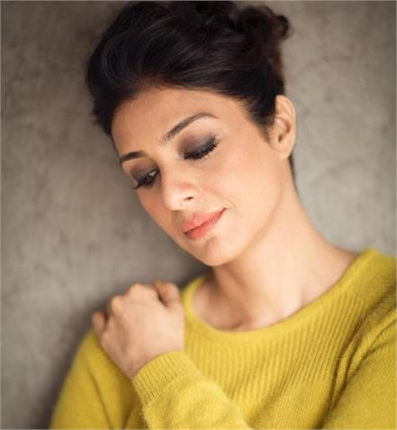 beauty secrets of bollywood actress tabu