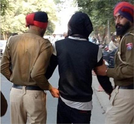 police arrest heroin smuggler