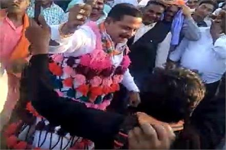 this bjp candidate danced in the maudai mela