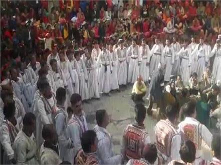 traditional costume on budi diwali