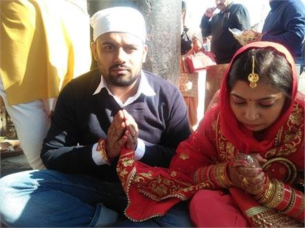 newly married couple reached naina devi