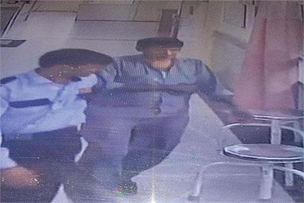 delhi hospital child death