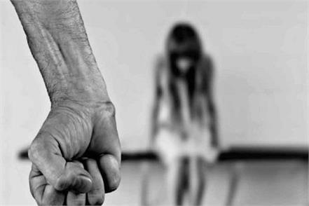 delhi girl rape police