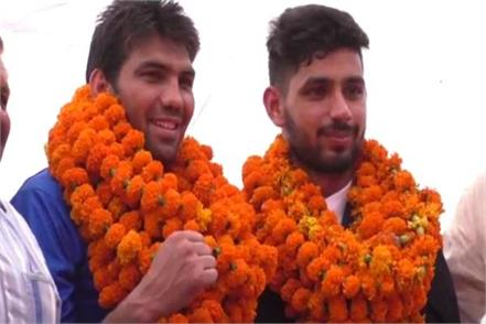 commonwealth medal winner arjun and manoj kumar reached karnal