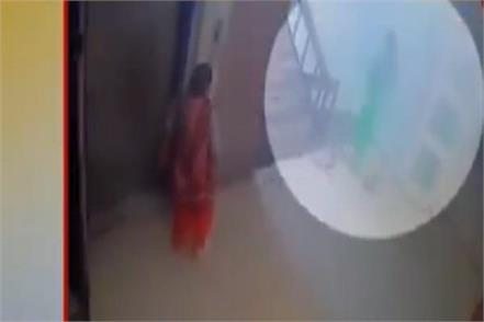 child stolen from hospital in delhi