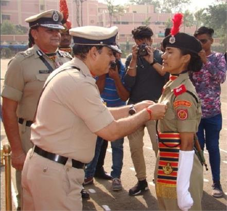 passing prade of bsf woman cadets