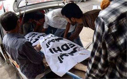 65 die of heatstroke in pakistan s karachi