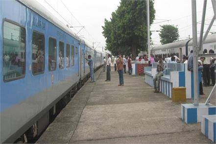 40 passengers were ill after eating breakfast in whole howrah
