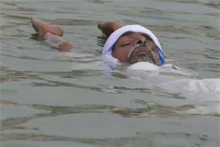 in varanasi this baba does under water yoga