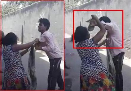rickshaw pulls up demanding women s number