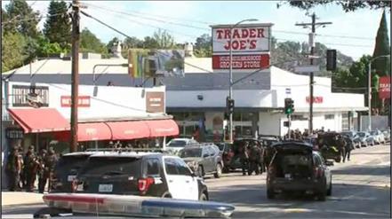 woman killed inside supermarket trader joe in los angeles