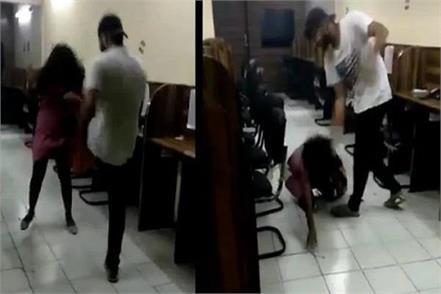 delhi police suspends the victim father
