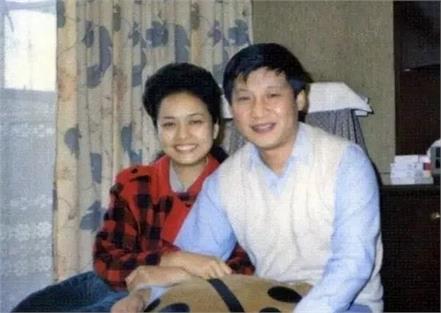 the love story of xi jinping and peng liyuan