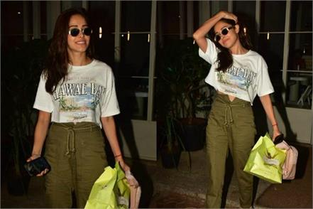 nushrat bharucha spotted outside the sequel bistro in bandra
