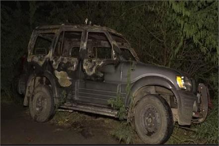 bjp candidate s car caught fire half a dozen scorched