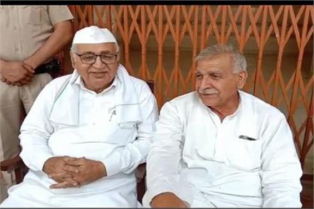 indrajit supports congress candidate inld accuses jayatirtha of buying