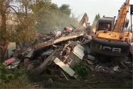 municipal corporation bulldozer on another bungalow of jeetu soni