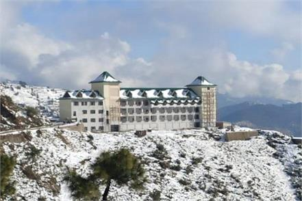 first snowfall of the season in the upper areas of sundernagar