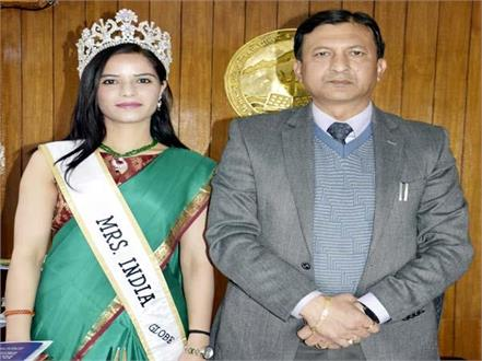 dr vandana thakur captured the crown of mrs india globe