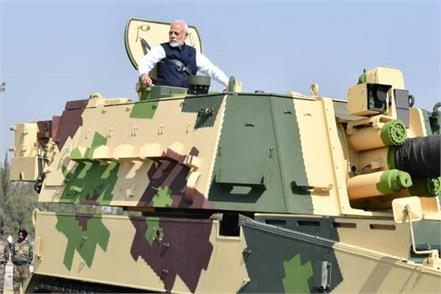 pm modi take ride on k9 vajra vehicle